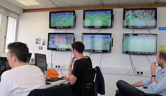 Bagaimana Tim Statistik Bekerja - Statistics on Match Day
