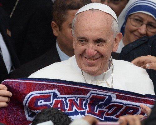 Trofi Copa Libertadores untuk Paus Francis