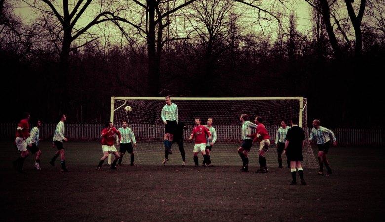 Ketika Orang Asia Mendikte Tradisi Menonton Sepakbola Inggris