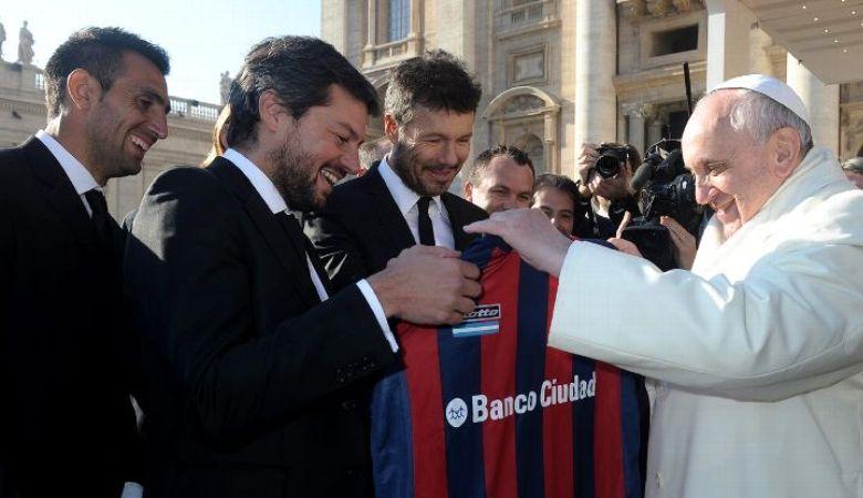 Paus Francis Menginspirasi Nama Stadion San Lorenzo