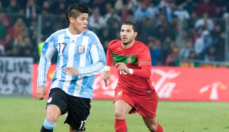 Belajar Kepemilikan Pemain Ketiga dari Kasus Rojo, Tevez dan Mascherano