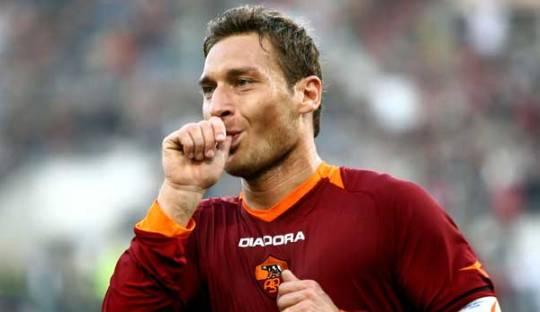 Francesco Totti dan Tawa yang Membebaskan Kita
