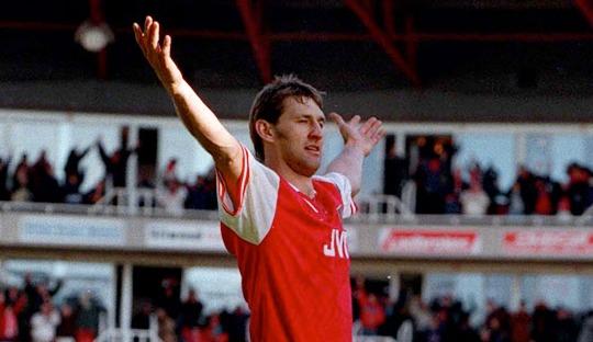 Siapa yang Layak Meneruskan Jejak Toni Adams di Arsenal?