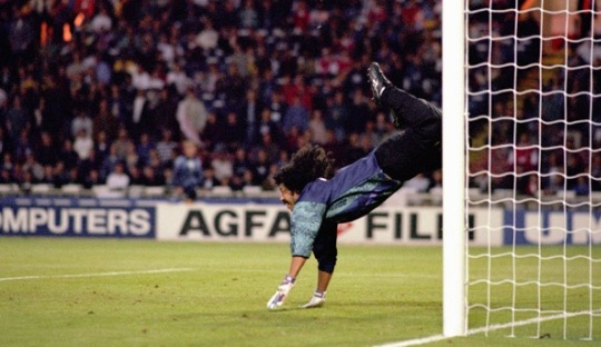 On This Day  1995, Tendangan Kalajengking Rene Higuita