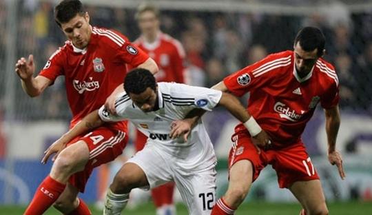Kesialan Arbeloa di Liga Champions dan Anfield yang Penuh Cerita