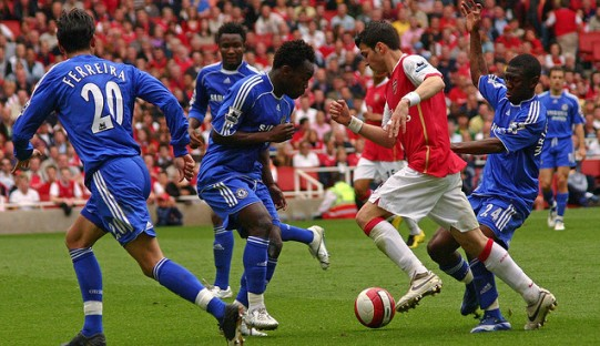 Dilema Fabregas Menghadapi Arsenal