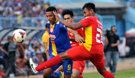 Prediksi Pertandingan Semen Padang vs Arema Cronus