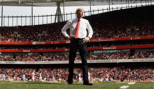 Ketika Arsenal Mesti Menjilat Ludahnya Sendiri