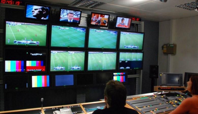 Bagaimana Jika Liga Inggris Dimainkan pada Jumat Malam?