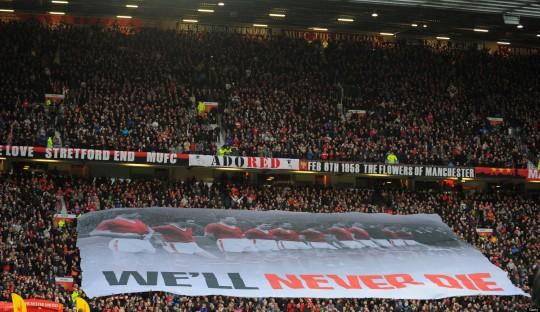 Benarkah Penonton di Old Trafford Paling Berisik di Inggris?