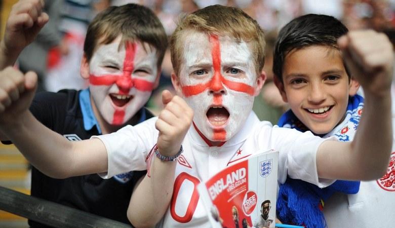 Tujuh Hal yang Dibenci Fans Inggris di Stadion
