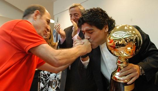 Ricardo Bochini, Legenda yang Dihormati Maradona