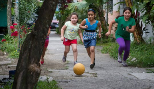 Kebiasaan Bermain Sepakbola Sangat Baik untuk Anak