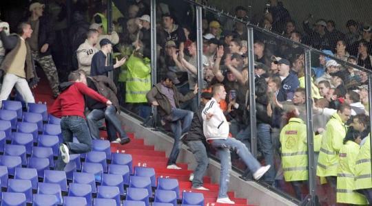 De Klassieker, Saat Suporter Ajax Bertempur vs Suporter Feyenoord