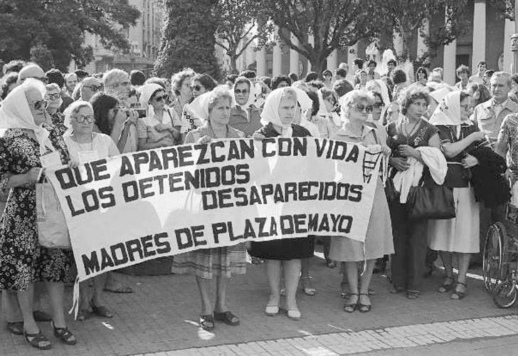 mothers-of-plaza-de-mayo-30-democracy-argentina
