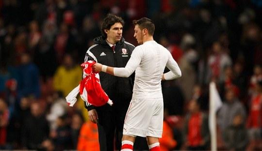 Jersey Özil untuk Sang Anak