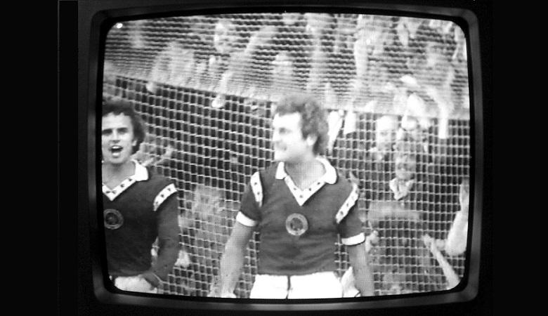 Industri Sepakbola Berutang kepada TV Berwarna
