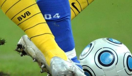Preview Dortmund vs Schalke: Menekan dan Meredam