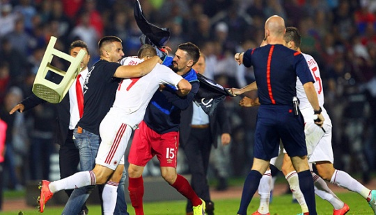 Catatan Pertikaian Antara Pemain vs Suporter