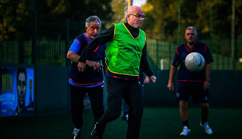 Walking Football: Sebab Main Bola Bisa Dinikmati dengan Jalan Kaki