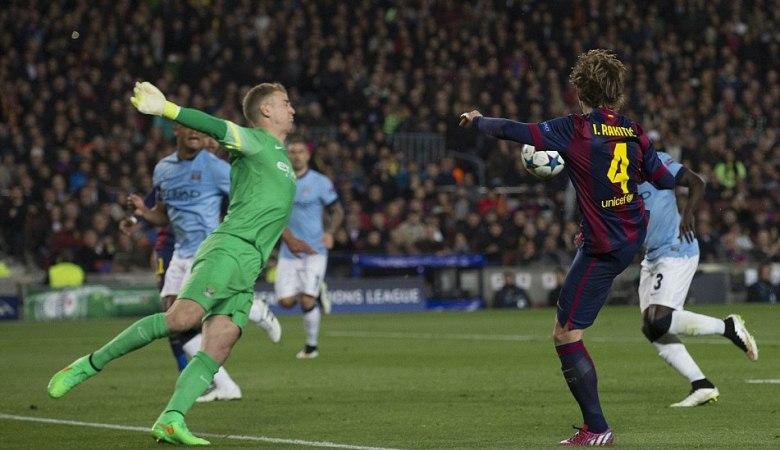 Menciptakan Ruang Kosong dengan Memanfaatkan Kehebatan Messi