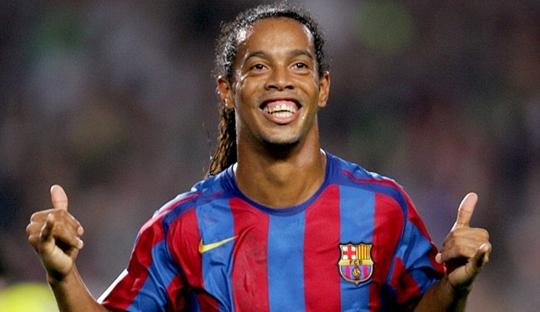 Tersenyumlah Seperti Ronaldinho, Kawan!