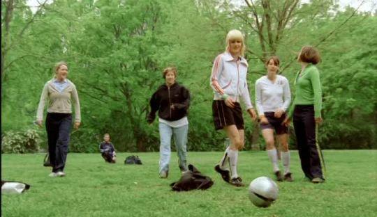 Kumpulan Cerita Pilihan Perempuan dan Sepakbola