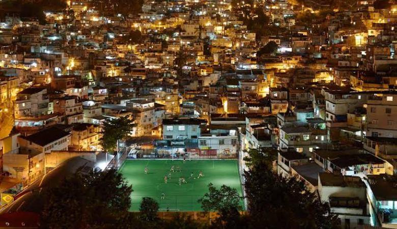 Lapangan Sepakbola yang Menghasilan Energi dari Pijakan Kaki