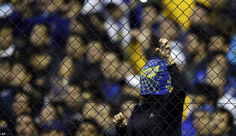 Cara Suporter Boca Juniors Membuat Rival Abadinya Menangis