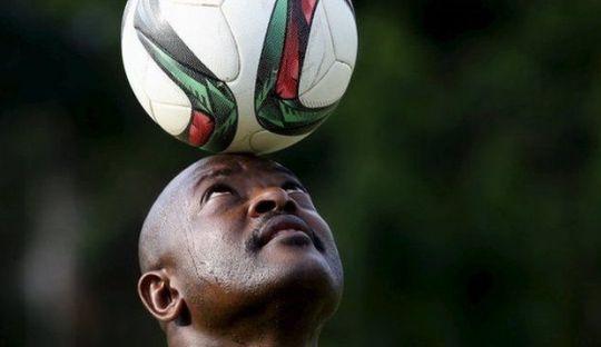 Didemo Rakyat, Presiden Malah Piknik Bermain Sepakbola