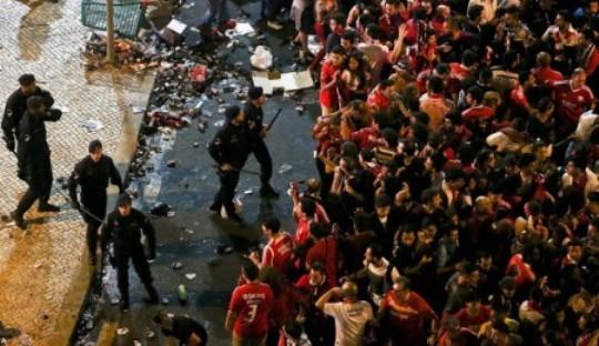 Saat Kebrutalan Polisi Mewarnai Pesta Juara Benfica