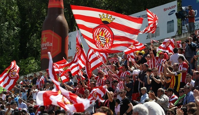 Aksi pendukung Girona FC beberapa waktu lalu. (via: 100x100fan.com)