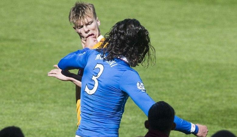 Perkelahian Antar Pemain pada Play-off Championship Skotlandia