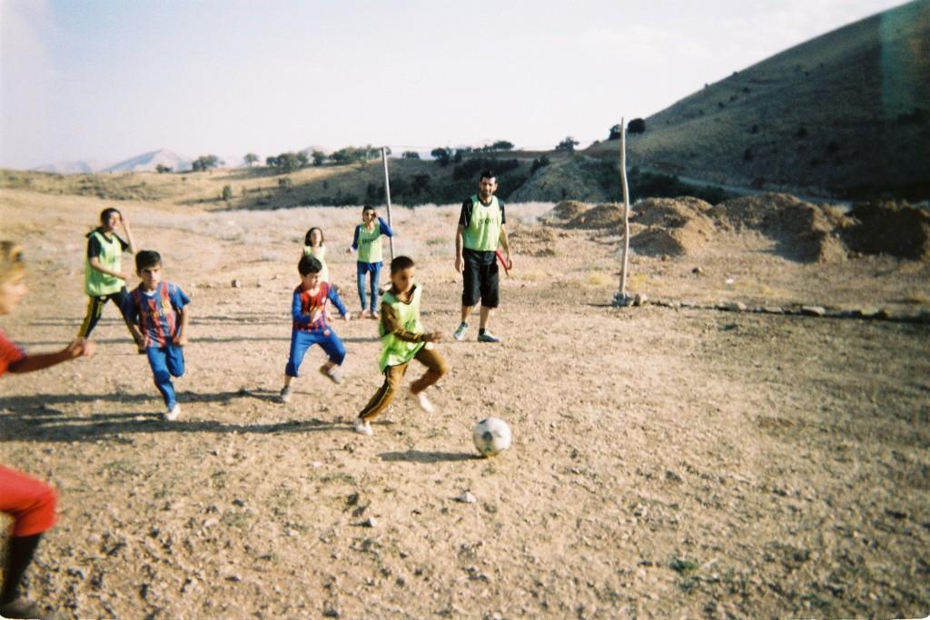 Betapa Berbahayanya Main dan Nonton Bola di Irak