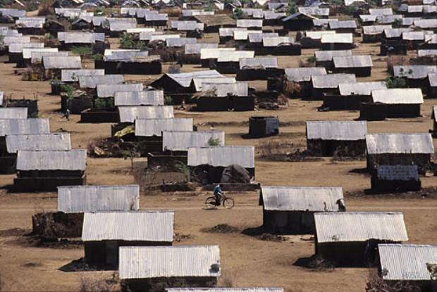 Pengungsian Kakuma, tenda pengungsian kedua terbesar di Kenya (via:australiaswans.com.au)