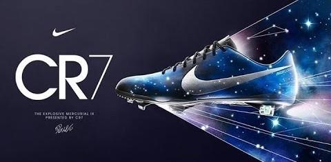 Sepatu sepakbola Nike Mercurial Vapor IX CR7 The Galaxy 13-14 Dark Obsidian / Metallic Silver yang dipakai oleh Cristiano Ronaldo untuk musim 2013-14. Mungkin akan sangat kontekstual jika ia memakainya lagi sekarang?