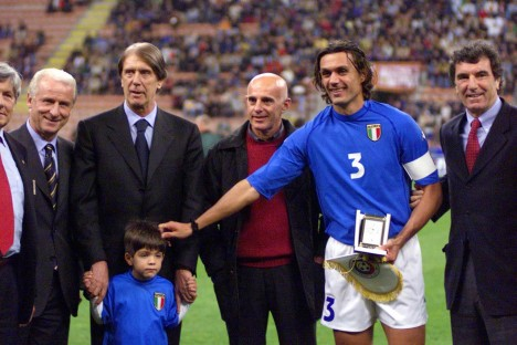 Cesare, Paolo, dan Christian Maldini. (via: corriere.it)
