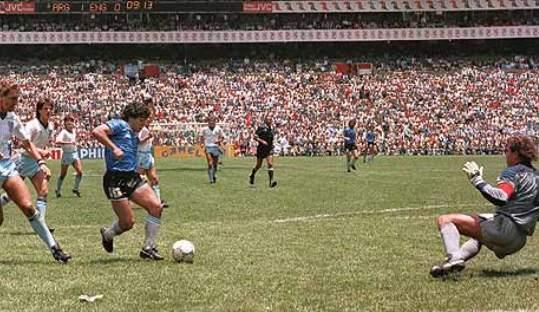 Ketika Maradona Menjadi Tuhan