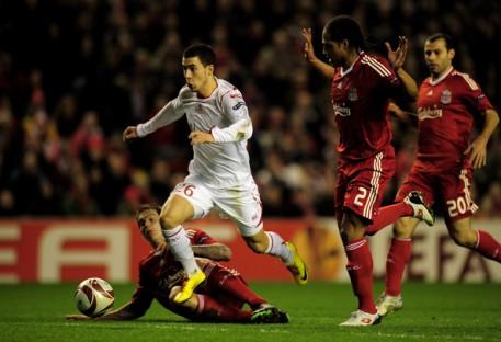 Aksi Hazard saat masih berseragam Lille. (via: zimbio.com)