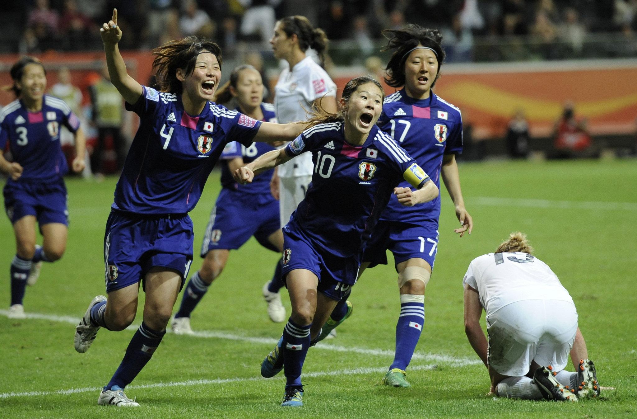 Selebrasi gol Homare Sawa, gol pemaksa pertandingan menuju adu penalti (sumber: media.cleveland.com)