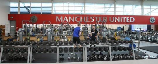 Fasilitas latihan fisik dan kebugaran di Aon Training Complex, Carrington, milik Manchester United (sumber: Twitter @ManUtd)