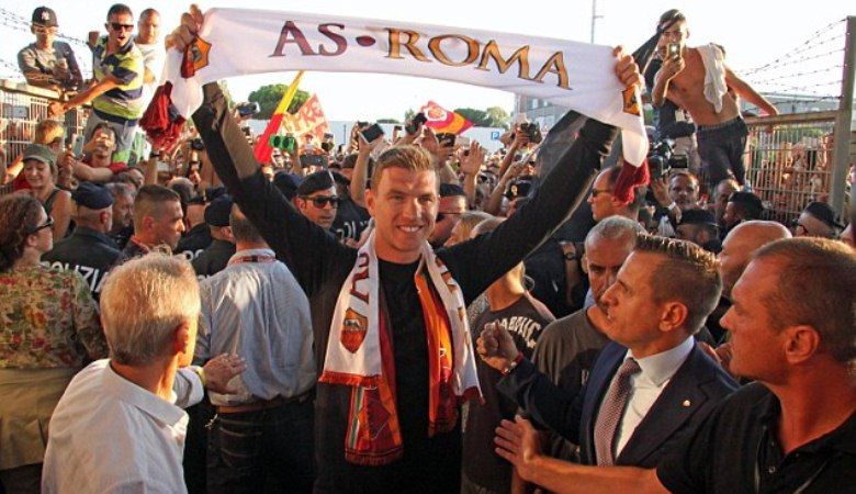 Faktor Džeko dan Salah dalam Variasi Taktik AS Roma