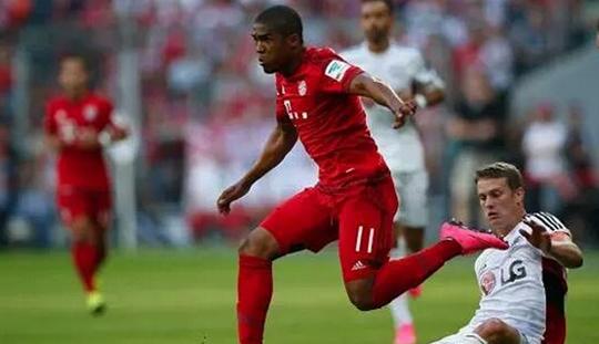 Kontribusi Douglas Costa Saat Jungkalkan Leverkusen