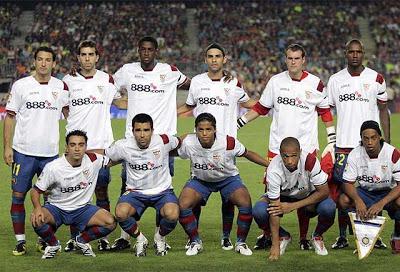 Barcelona mengenakan kostum Puerta (Sumber: MD)