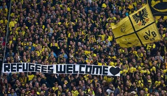 Antifa dan Kehangatan ala Dortmund kepada Para Pencari Suaka