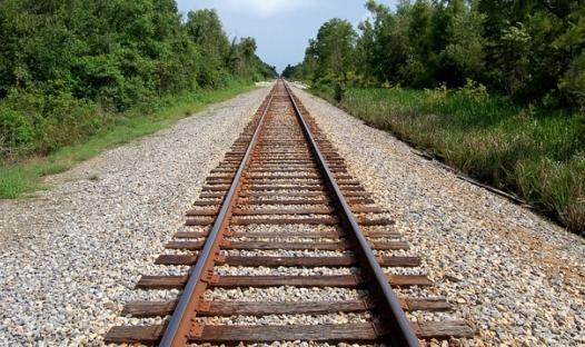 Membangun Sepakbola dengan Jalur Kereta