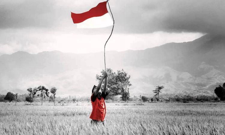 Menjadi Indonesia di Lapangan Sepakbola
