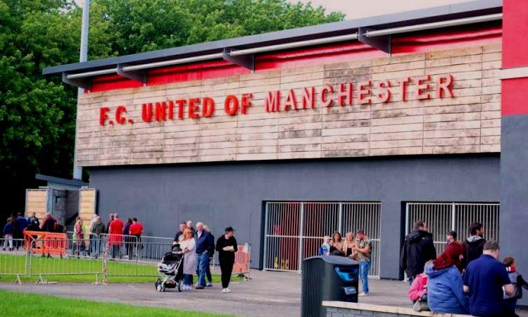 Menyaksikan Langsung Idealisme FC United of Manchester
