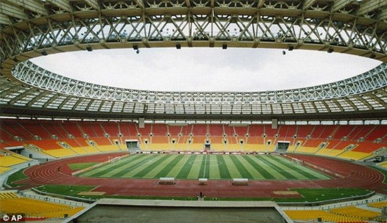 Api dari Stadion Luzhniki dan Rusia yang Pandai Berdalih
