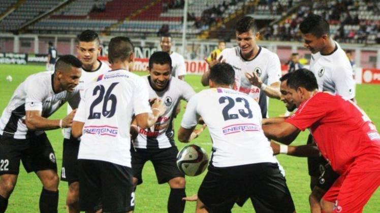 Menebak Trik Sulap Bola Melayang Di Perayaan Gol Ini